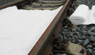 Sorpční koberec do kolejiště